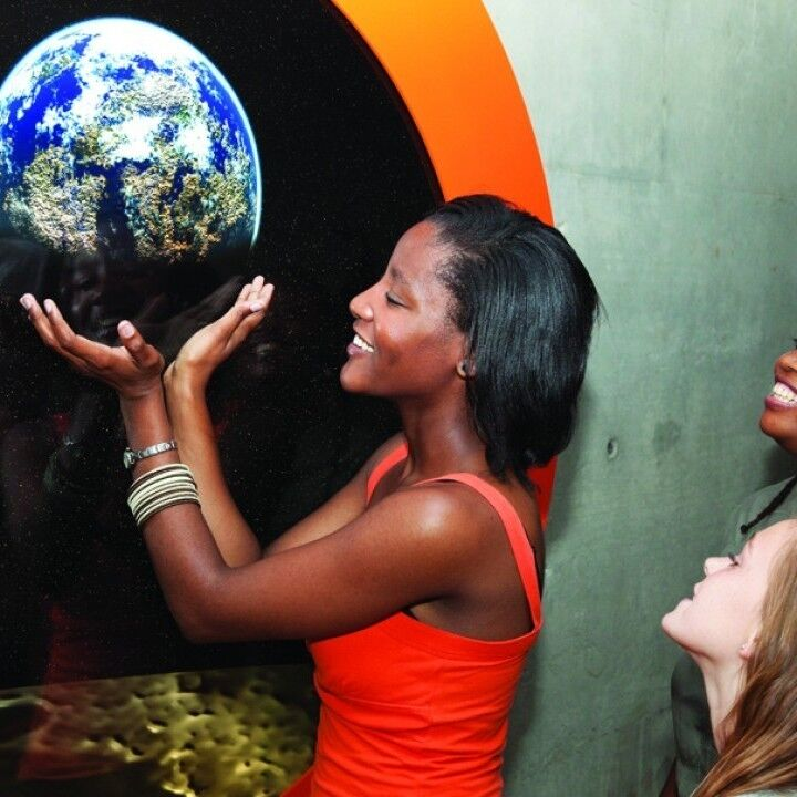 Earth Hour 2012 Is In Your Hands